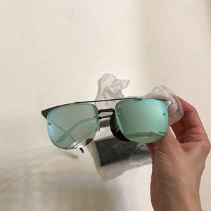 Quay Australia Accessories - Quay Private Eye 49mm Navigator sunglasses new